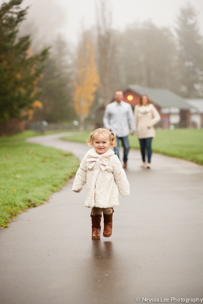 Family photos on a fall day, Toddler, Snoqualmie Family Photography