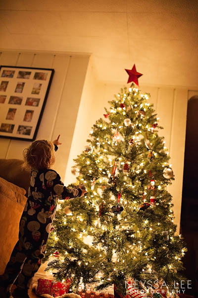 2014 holiday photo contest is coming, toddler with christmas tree