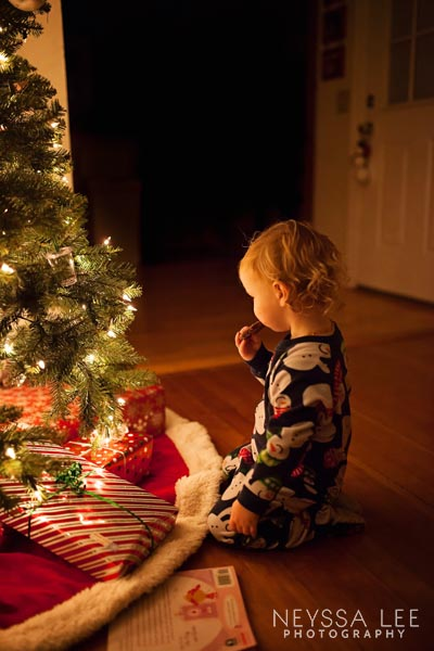how to photograph the magic of the christmas tree, kids and christmas tree