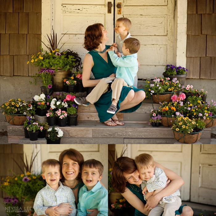 Photos of Mom, Mom and me mini sessions, flowers