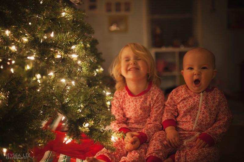 magical christmas tree photos with your kids, christmas jammies, sisters,