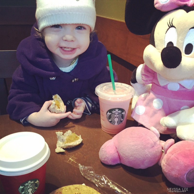 Coffee date with the girls, Minnie Mouse, Starbucks