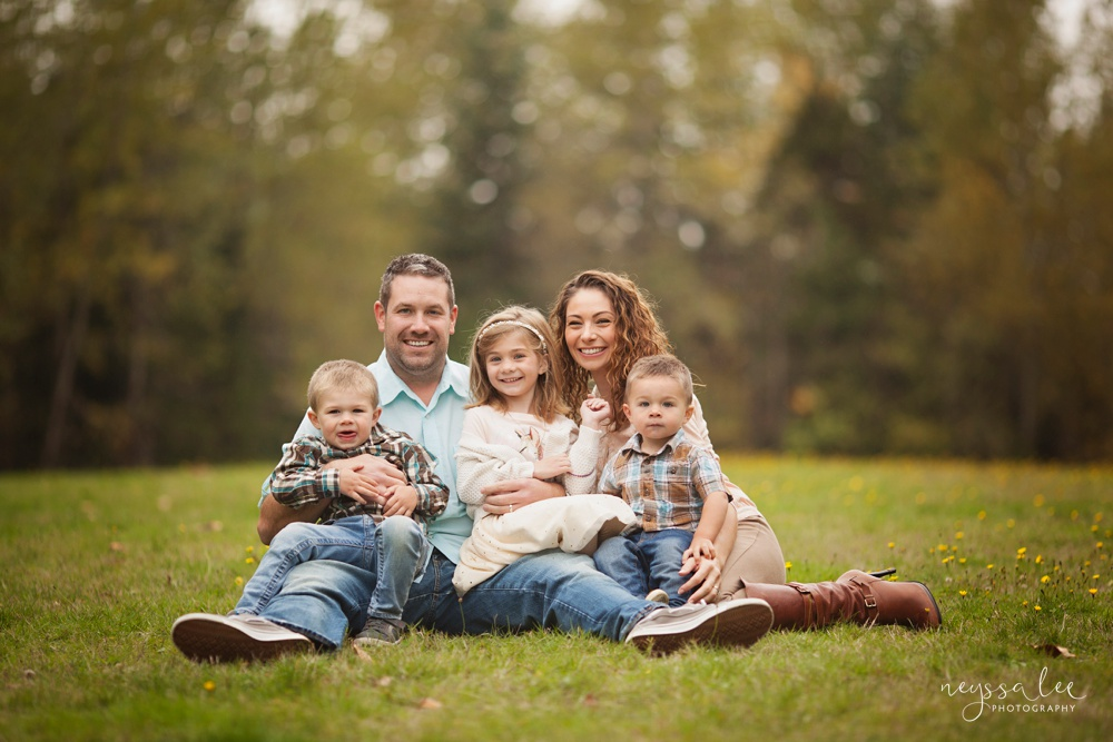 Snuggles, tackles and playful family photos, Snoqualmie family photographer,  Family of 5, Sweet sibling photos,