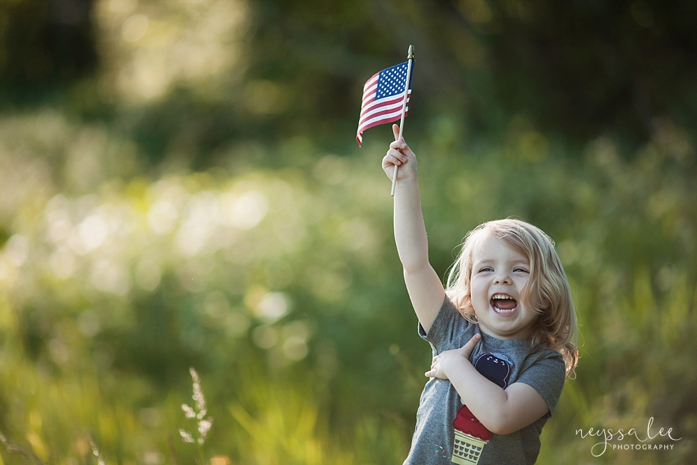 4th of July Mini Session, Kids with Flags, Field Photos