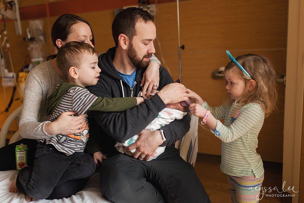 Issaquah Fresh 48 newborn photographer neyssa lee photography family of 5