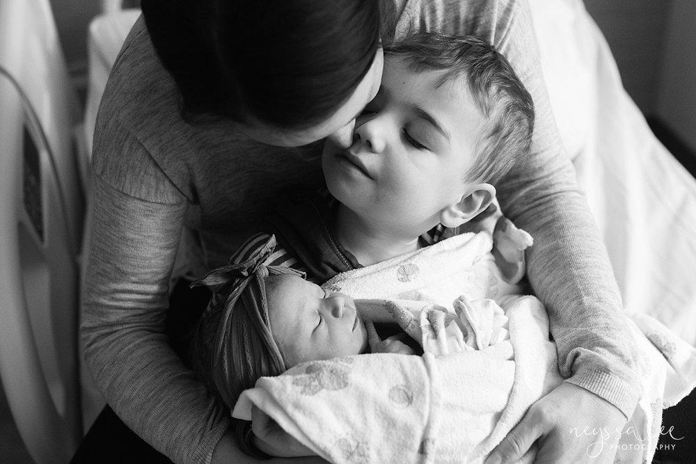 Issaquah Fresh 48 newborn photographer neyssa lee photography baby girl mom kiss