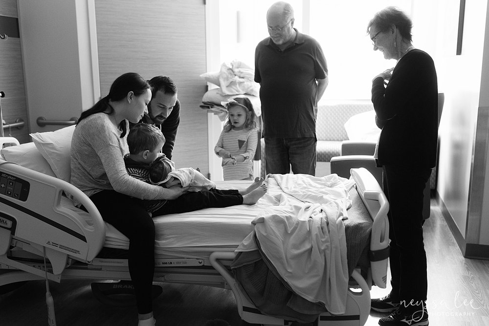 Issaquah Fresh 48 newborn photographer neyssa lee photography baby girl grandparents meet newborn