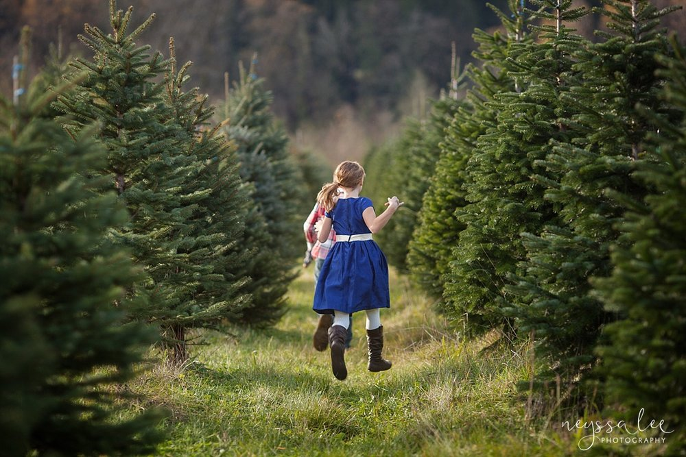 Christmas Tree Farm Photography.Themed Mini Sessions Blog Neyssa Lee Photography Family