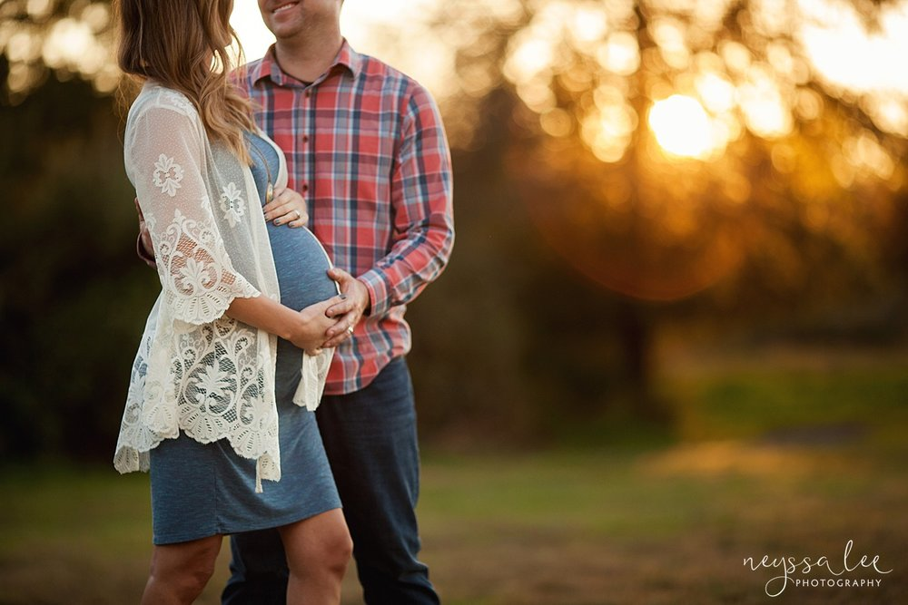 Neyssa Lee Photography Snoqualmie maternity photographer expecting couple loving photo