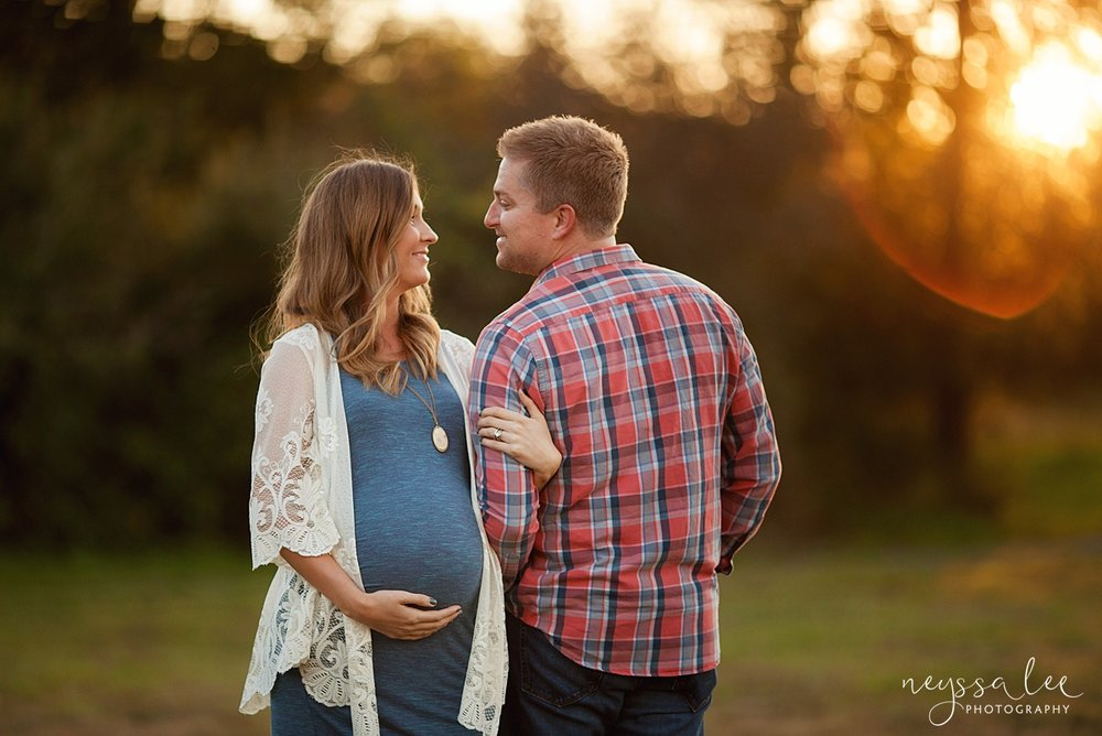Neyssa Lee Photography Snoqualmie maternity photographer expecting couple gaze at each other