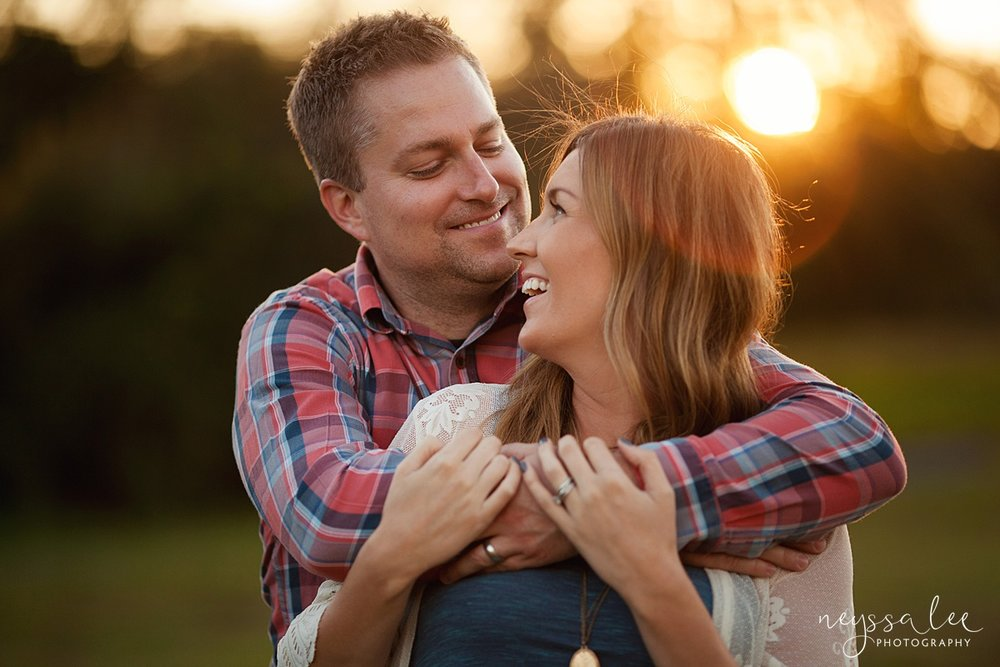 Neyssa Lee Photography Snoqualmie maternity photographer husband and wife snuggle