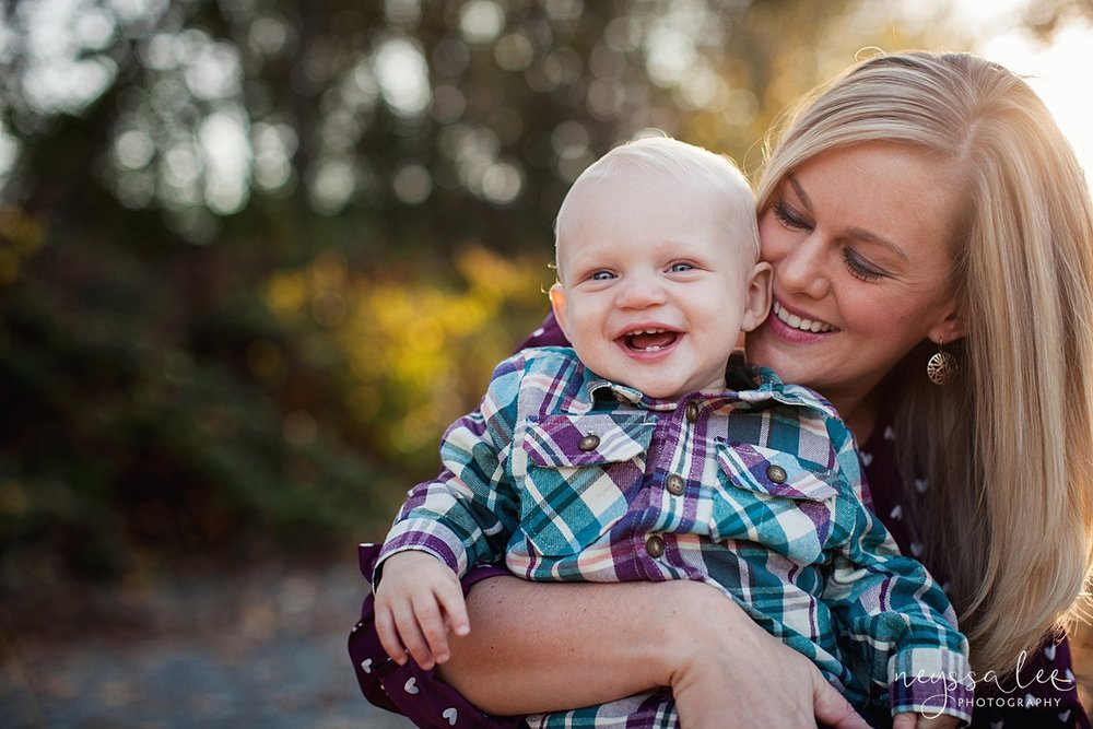 Snoqualmie Family Photographer, Neyssa Lee Photography, Family of 5, Mother and Baby boy