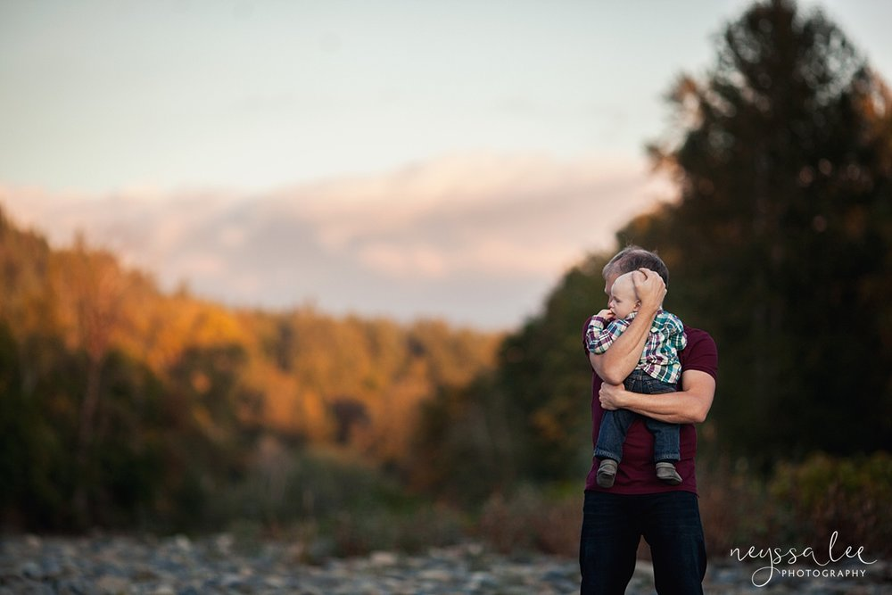 Snoqualmie Family Photographer, Neyssa Lee Photography, Family of 5, father and son at sunset