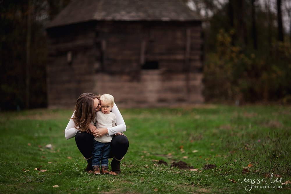 Neyssa Lee Photography, Snoqualmie Family Photographer, Fall Family Photos, Mother and son quiet moment