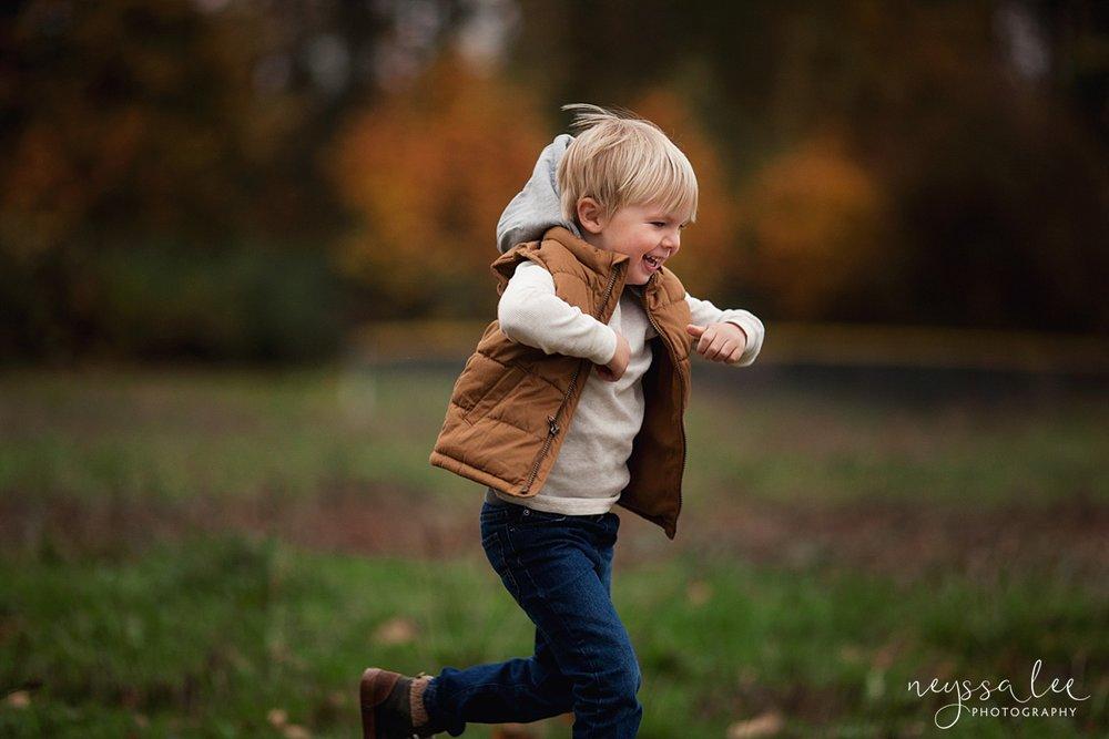 Neyssa Lee Photography, Snoqualmie Family Photographer, Fall Family Photos, boy running