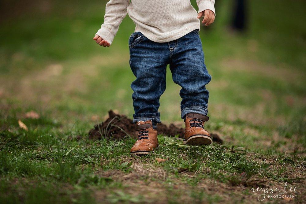 Neyssa Lee Photography, Snoqualmie Family Photographer, Fall Family Photos, Boy stomps dirt