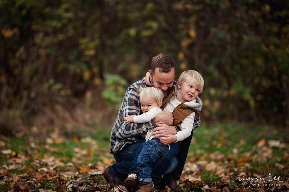 Neyssa Lee Photography, Snoqualmie Family Photographer, Fall Family Photos, Dad tackle hugs sons