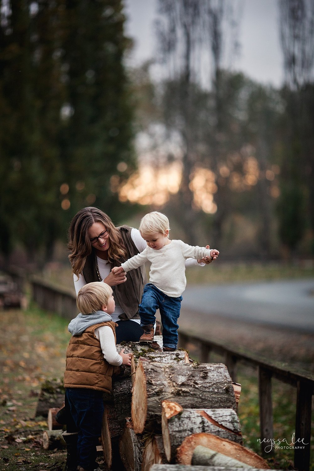 Neyssa Lee Photography, Snoqualmie Family Photographer, Fall Family Photos, Lifestyle Mother and Sons photo
