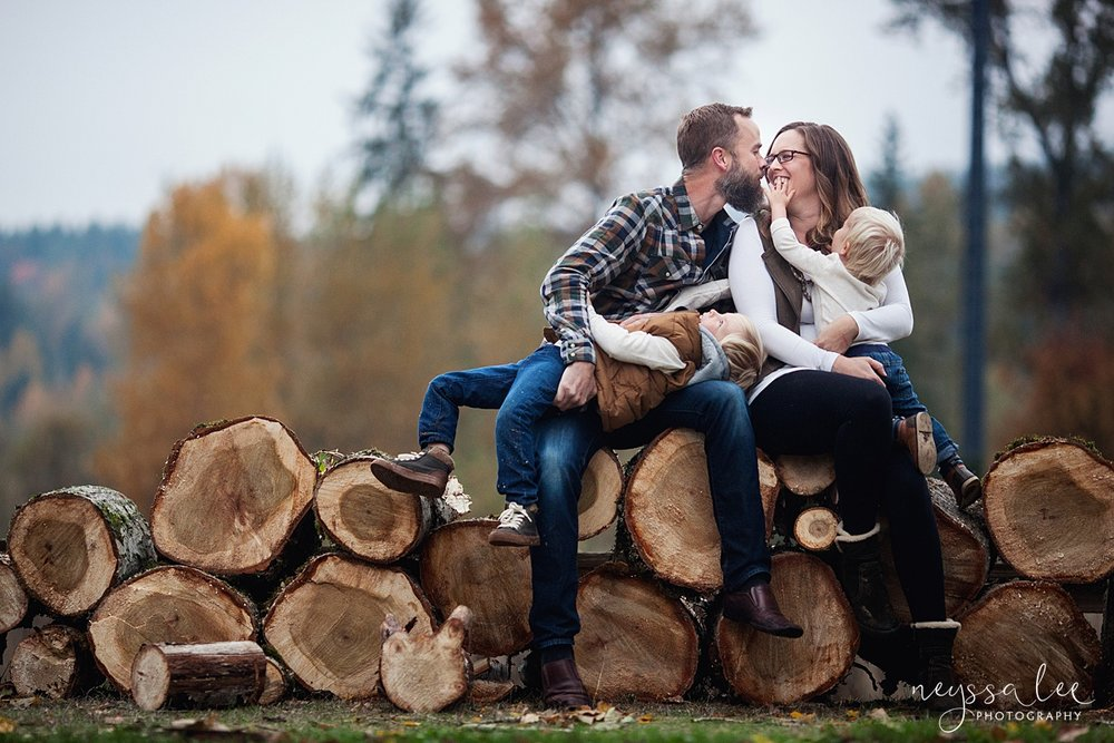 Neyssa Lee Photography, Snoqualmie Family Photographer, Fall Family Photos, Lifestyle Family photo on woodpile