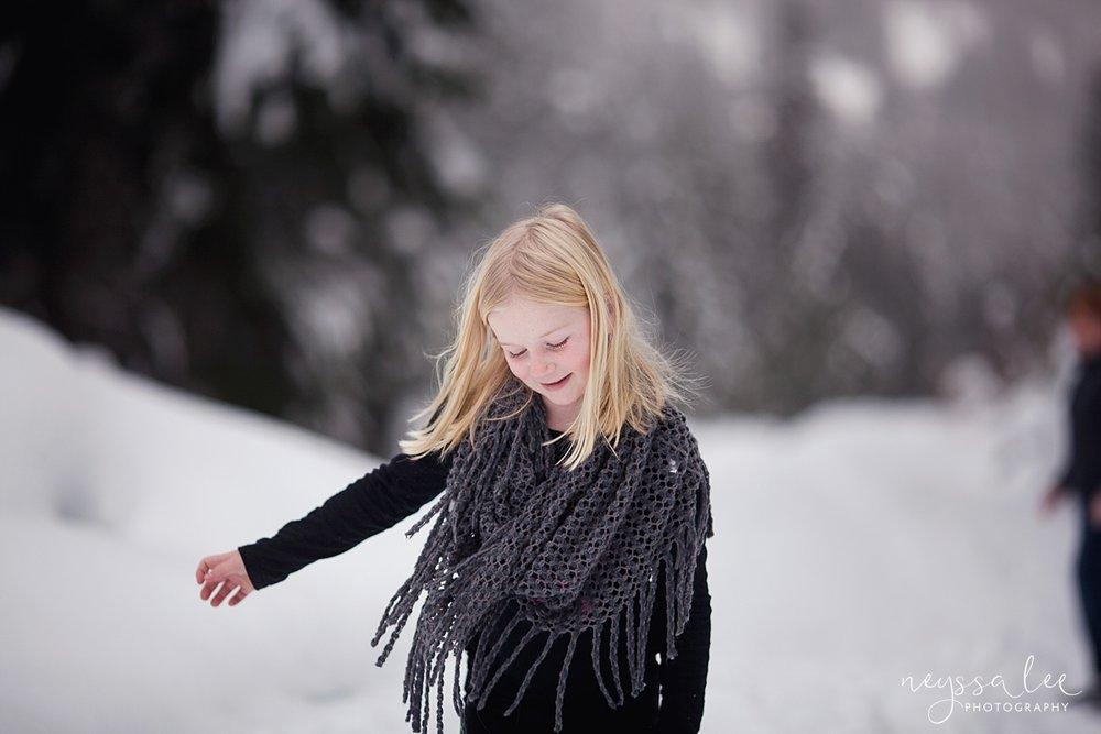 Neyssa Lee Photography, Snoqualmie Family Photographer, Family photos in the snow, Girl in the snow