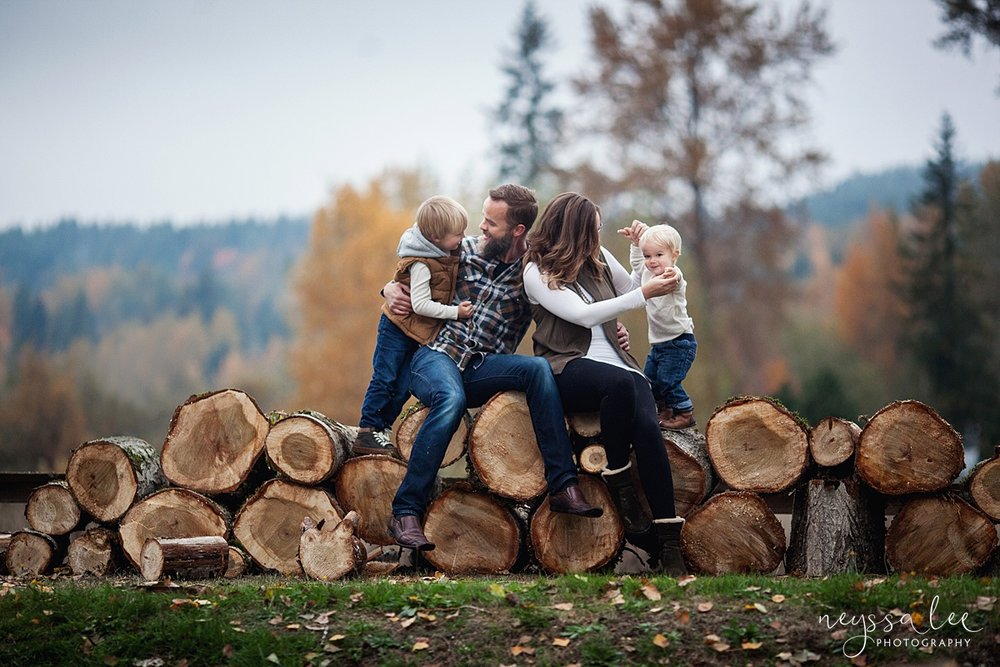 5 Tips to Prepare for Your Family Photo Session, Neyssa Lee Photography, Issaquah Family Photographer, Family sitting on log pile