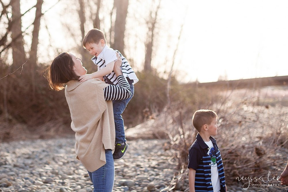 Family Photos by the River at Sunset, Neyssa Lee Photography, Snoqualmie Family Photography, Family of Four in beautiful light