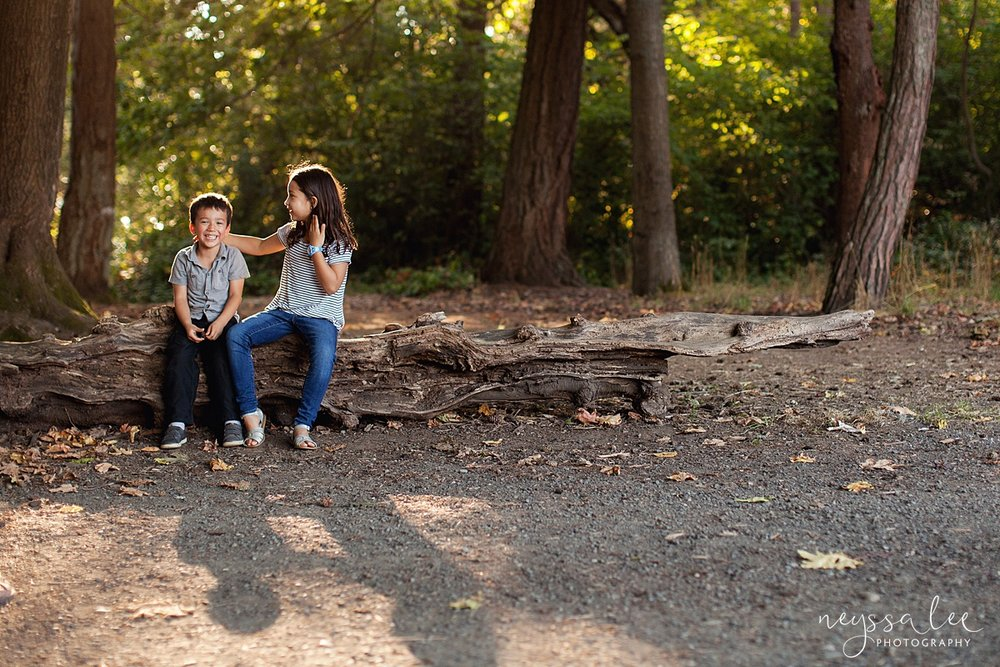 Neyssa Lee Photography, Seattle Family Photography, Family photos in the woods, family photos by the water, siblings portrait with shadows