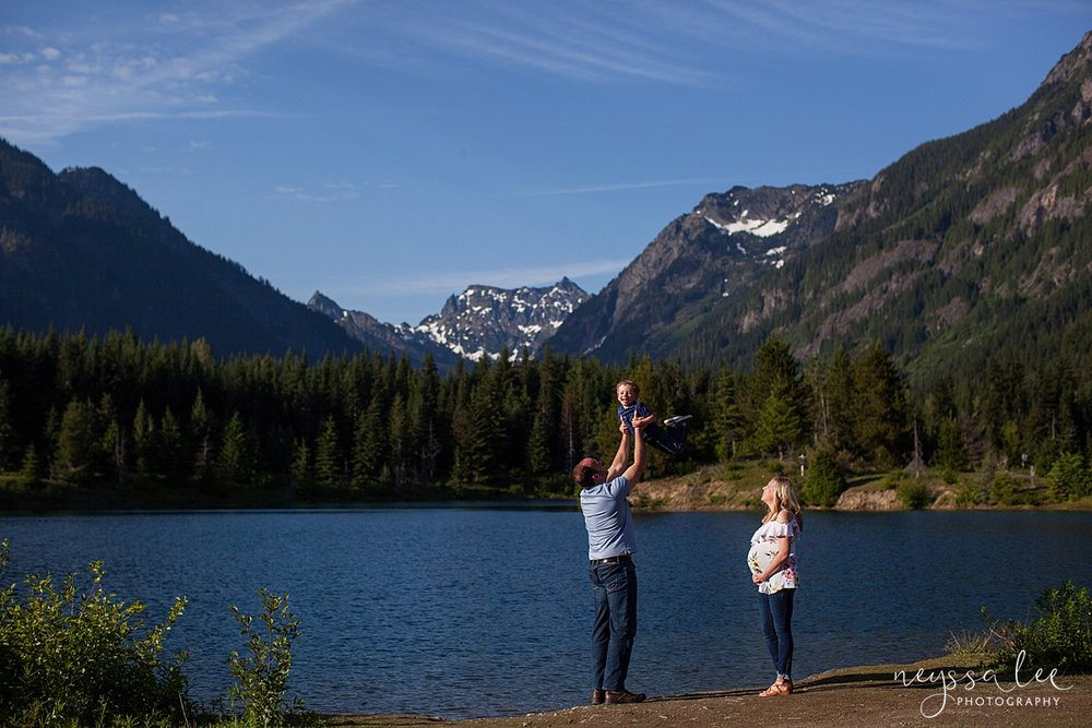 Maternity Photos in the Mountains, Gold Creek Pond, Neyssa Lee Photography, Snoqualmie Family Photographer, Full Sun
