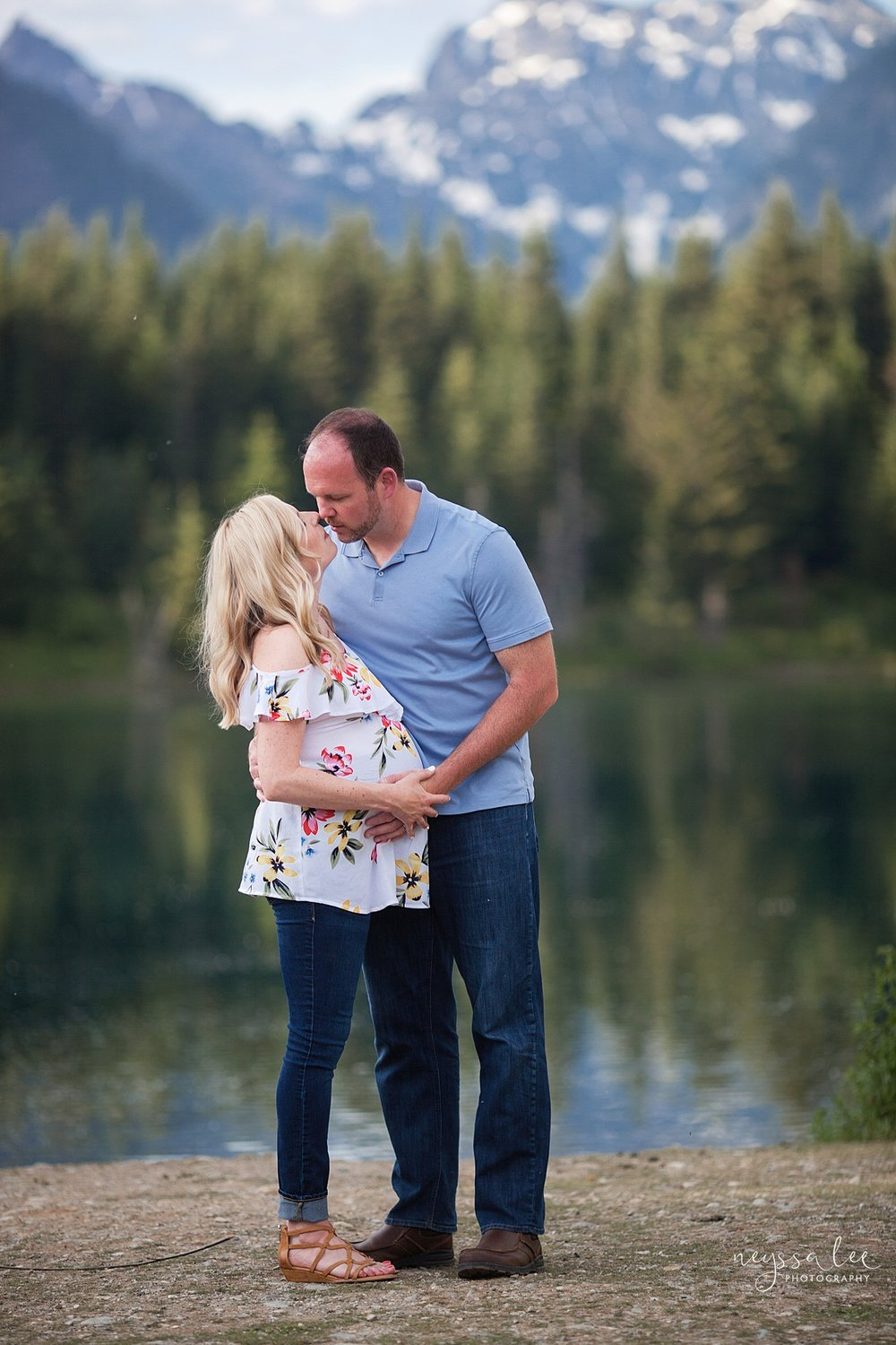 Maternity Photos in the Mountains, Gold Creek Pond, Neyssa Lee Photography, Snoqualmie Family Photographer, Mountain View