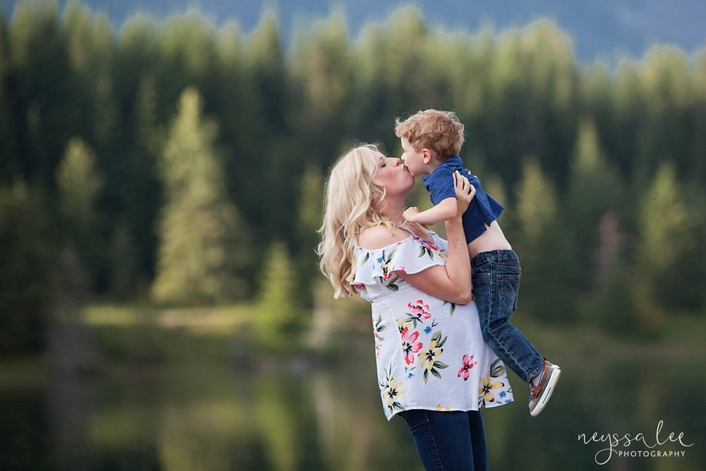 Maternity Photos in the Mountains, Gold Creek Pond, Neyssa Lee Photography, Snoqualmie Family Photographer, Amazing Mama