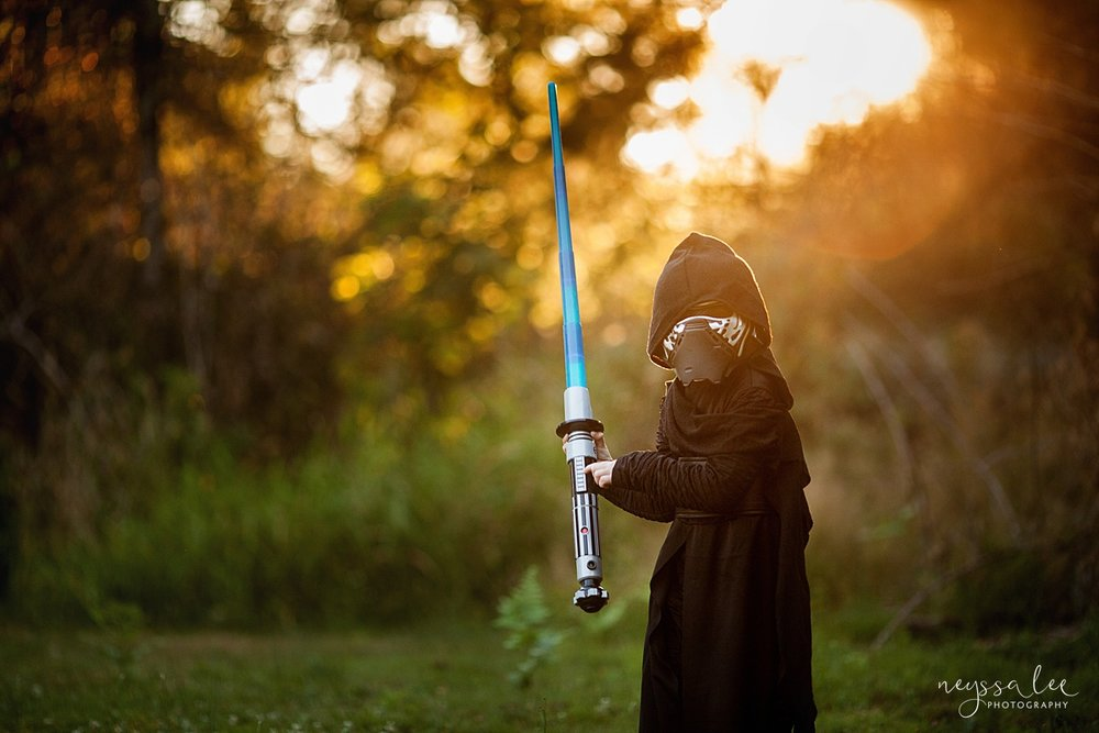 5 tips for magical halloween photos, photography tips, neyssa lee photography, Snoqualmie family photographer, Kylo Ren Costume