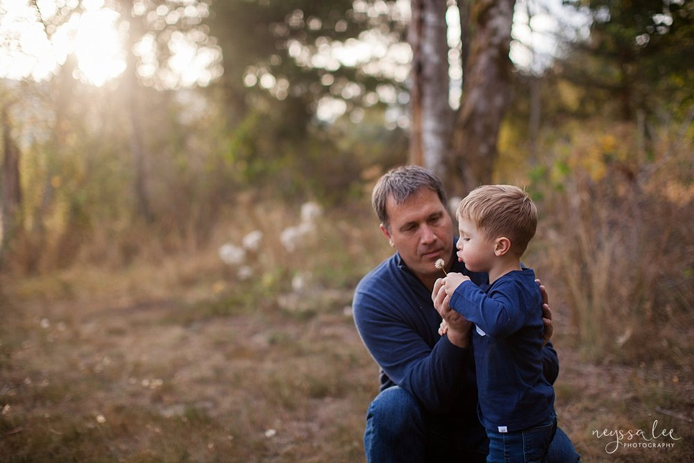 Snoqualmie Family Photographer, Neyssa Lee Photography, Fall Family Photos, Change of perspective on family photos, father and son