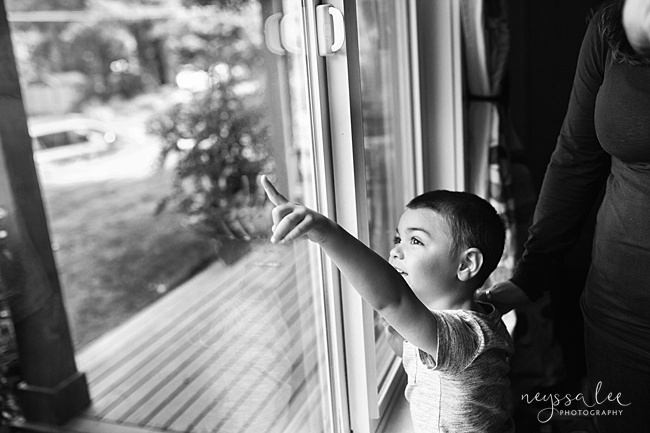 Seattle Newborn Photography, Neyssa Lee Photography, Snoqualmie photographer,  boy points out window
