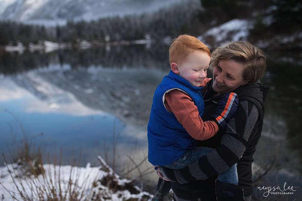 2019-02-08_0008.jpgneyssa_Lee_Photography_Snoqualmie_pass_family_photographer_lifestyle_photo_of_mother_and_son_in_mountains