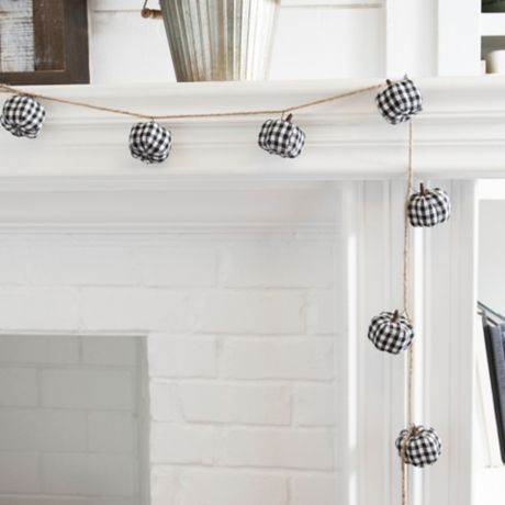 Buffalo Check Pumpkin Garland
