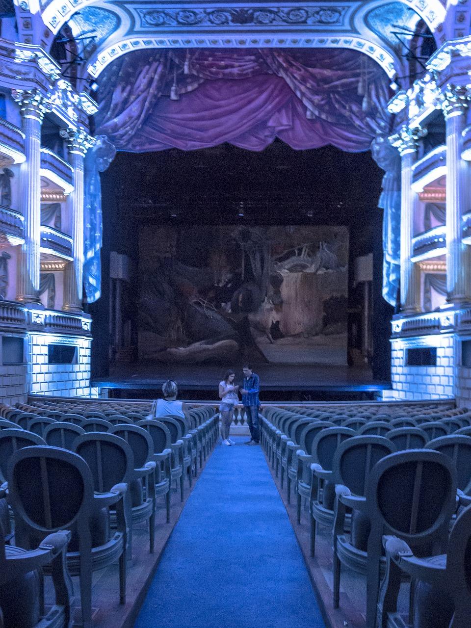 theatre-426448_1280.jpg