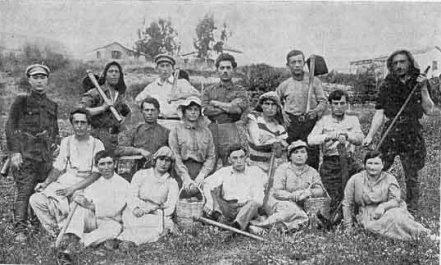 Zionist-Pioneers-Early-Pre-Israel-Kibbutz.jpg