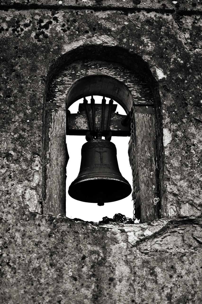 bell-1165637_1280.jpg