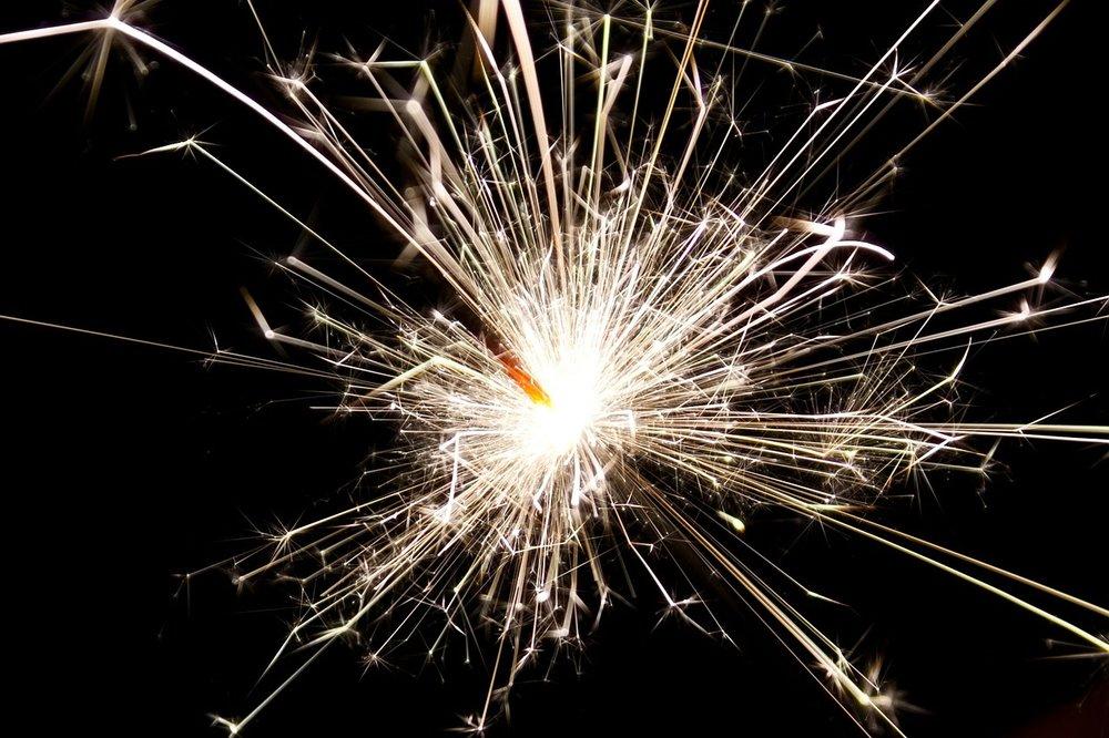 sparkler-84715_1280.jpg