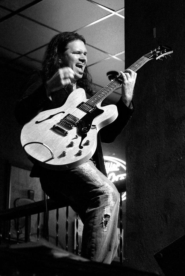 Steve Jabas - Guitar
