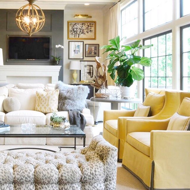 This has to be one of my all time favorite rooms. It was such a wonderful transformation from dark and depressing to light, bright and beautiful. I tell ya I'm so thankful for the trust of our #amazingclients. #MeriwetherDesignGroup . . . . . . #boss #love #interiordesign #interiordesigners #inspiration #beautiful #fun #instagood #dreamhome #nature #gooddesign #photooftheday #picoftheday #instadaily #home #fashion #igers #interiordesign #livingroom #glamous #designinspiration #pow #tulips #candles #workitout #truth