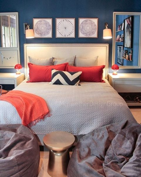 The picture's quality is not great as I never got the original but I'm not going to let that stop me from posting. As this teens bedroom is fabulous and I had to share it again. It proves that even with a tight space you can achieve major style and function. #customdesign #MeriwetherDesignGroup 📸 CobbLife . . . . . . #boss #love #interiordesign #interiordesigners #inspiration #beautiful #fun #instagood #dreamhome #nature #gooddesign #photooftheday #picoftheday #instadaily #home #fashion #igers #interiordesign #livingroom #glamous #designinspiration #pow #bedroom #candles #workitout #cobblife