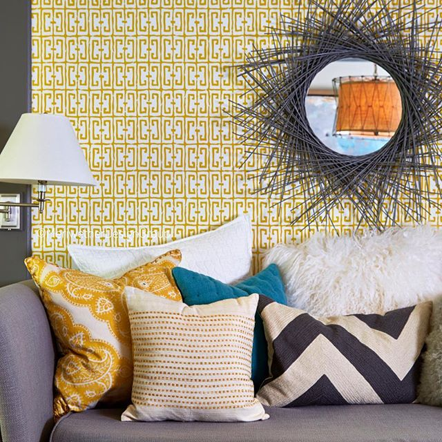 I love clean and simple but sometimes a room demands color and pattern! Doing bold proud! #MeriwetherDesignGroup . . . . . . . #daybed #love #spring #flowers #lighting #beautiful #fun #instagood #happy #nature #gooddesign #photooftheday #picoftheday #instadaily #home #fashion #igers #interiordesign #livingroom #glamous #design #SOdomino #pow #styling #pattern #workitout #truth
