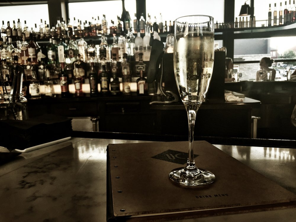 champagne-at-the-bar-of-union-common