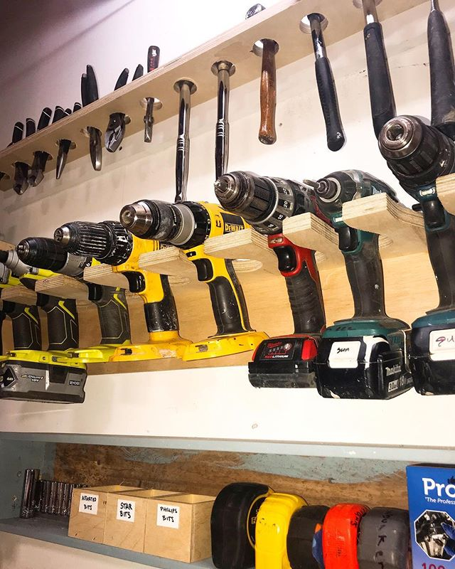 Don't you love the feeling when you look around your workspace and see everything is organized and in its place? A little office organization for your Thursday afternoon. 🛠🔩🛠🔩🛠🧰🛠🔩🛠🔩🛠 • • • #FoundersLab #FabricationSpace #Brooklyn #NYCfabrication #Drills #PowerTools