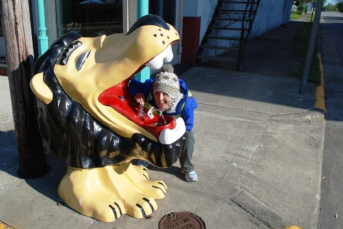 The Oakley Lion. Tara thinks every town should have one of these.