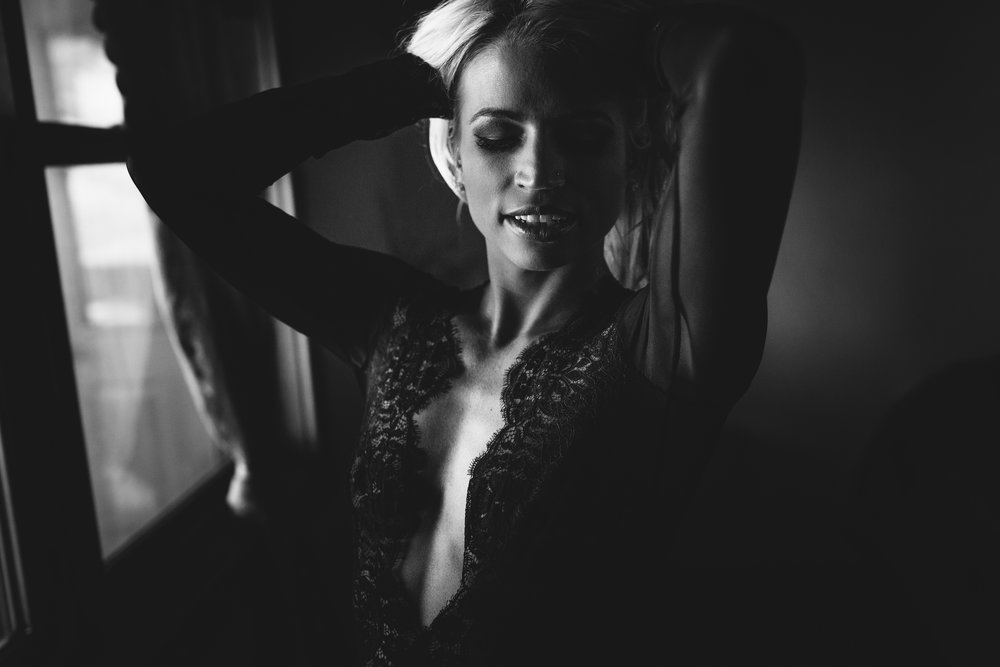 Super sexy yet classy b/w boudoir in Madison, WI.