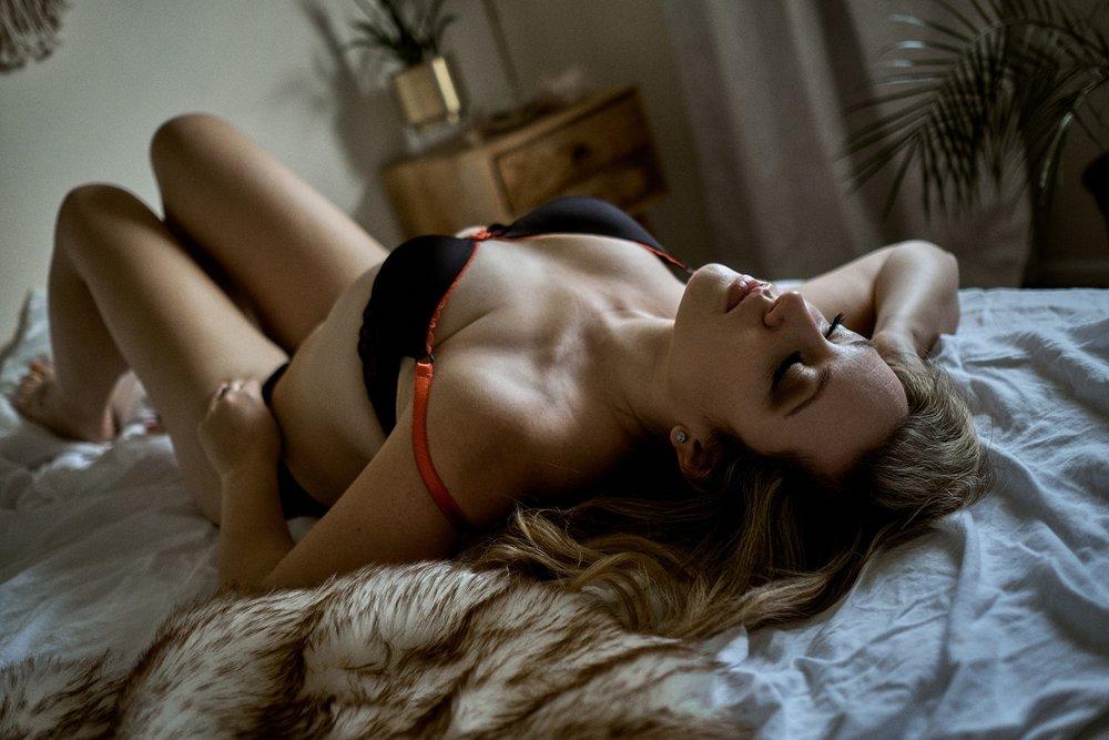 boudoir-photography-wi_09.jpg