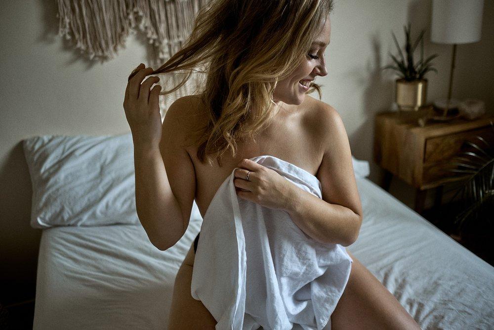 boudoir-photography-wi_17.jpg