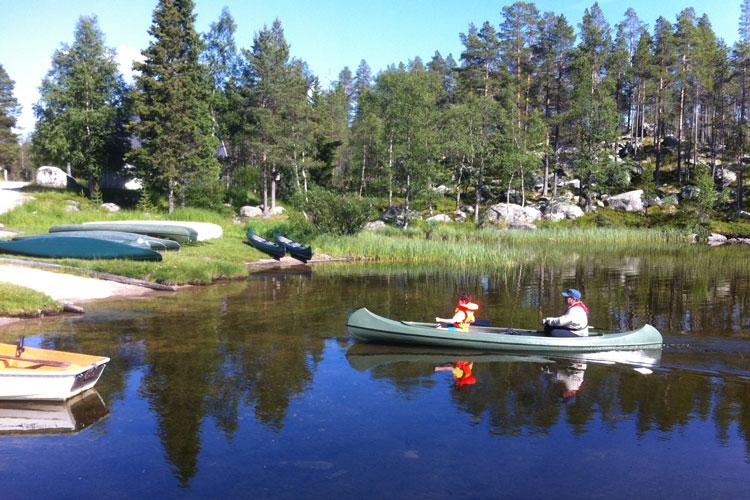 Canoe09.jpg